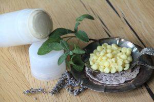 Zelfgemaakte, natuurlijke deodorant zonder aluminium en parabenen